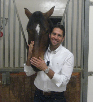 Shadi with his mare Cozumel in the Dubai Polo Club.