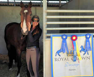 Tiffany with her dressage horse Hanseat/Hendrix II after the successful show.