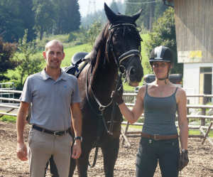 Happy with the training: Heidi with her horse Bizzi and trainer Dries van Peer.
